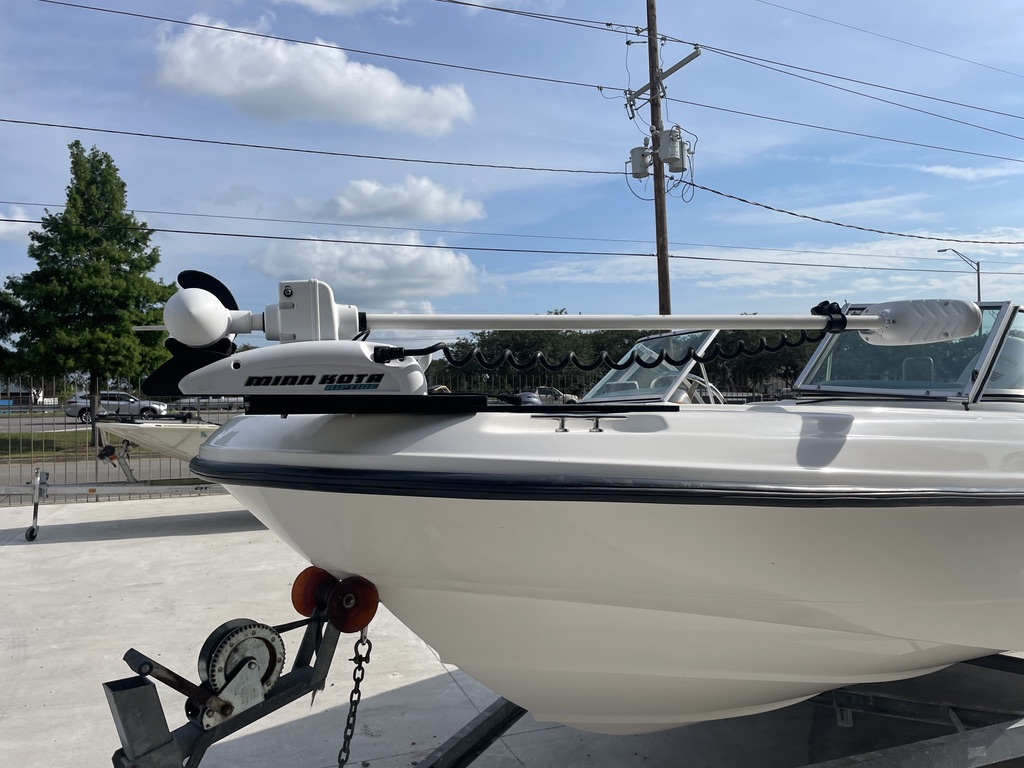 2000 Boston Whaler boat for sale, model of the boat is 180 & Image # 14 of 21