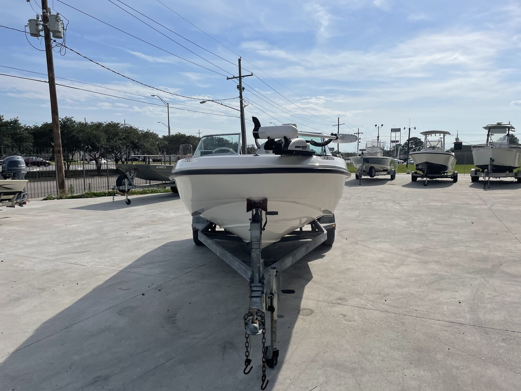 2000 Boston Whaler boat for sale, model of the boat is 180 & Image # 21 of 21