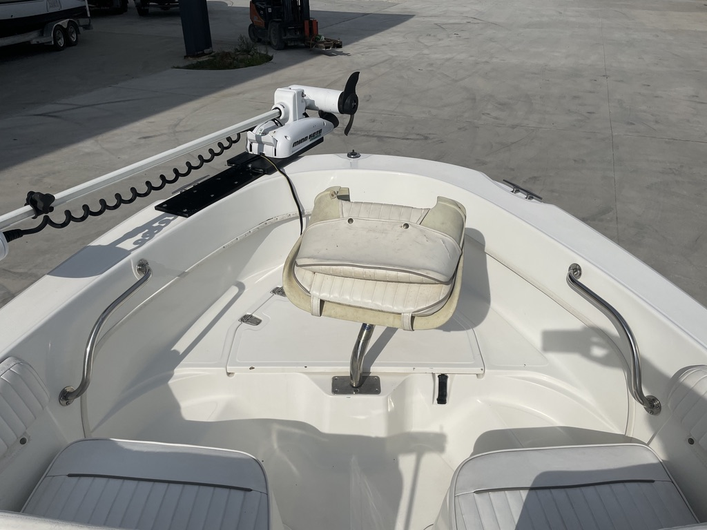 2000 Boston Whaler boat for sale, model of the boat is 180 & Image # 7 of 21