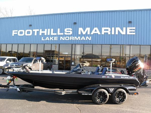 2021 Skeeter boat for sale, model of the boat is FXR20 Apex & Image # 1 of 35