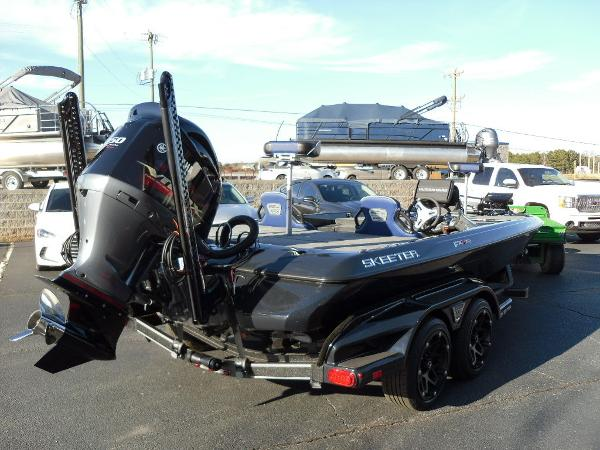 2021 Skeeter boat for sale, model of the boat is FXR20 Apex & Image # 3 of 35