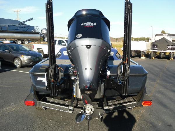 2021 Skeeter boat for sale, model of the boat is FXR20 Apex & Image # 4 of 35