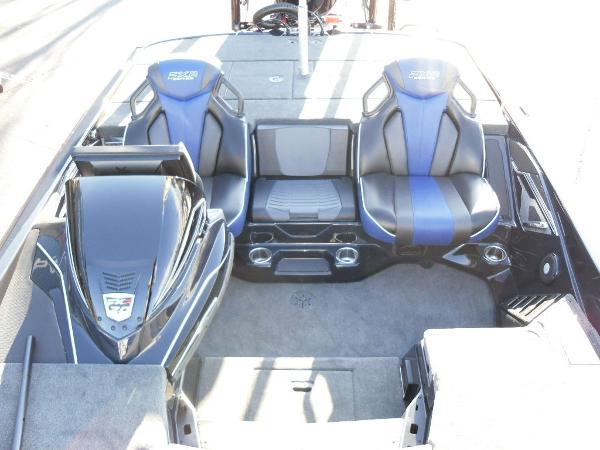 2021 Skeeter boat for sale, model of the boat is FXR20 Apex & Image # 14 of 35