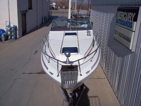 1984 Sea Ray boat for sale, model of the boat is SRV 260 Sundancer & Image # 3 of 28