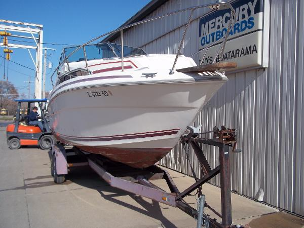 1984 Sea Ray boat for sale, model of the boat is SRV 260 Sundancer & Image # 8 of 28