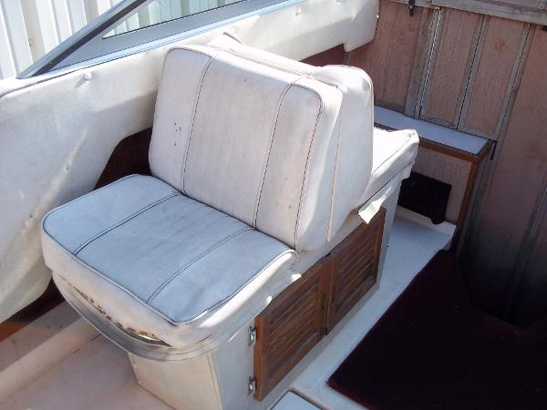 1984 Sea Ray boat for sale, model of the boat is SRV 260 Sundancer & Image # 9 of 28