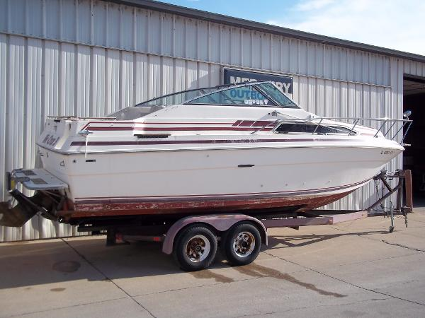 1984 Sea Ray boat for sale, model of the boat is SRV 260 Sundancer & Image # 2 of 28