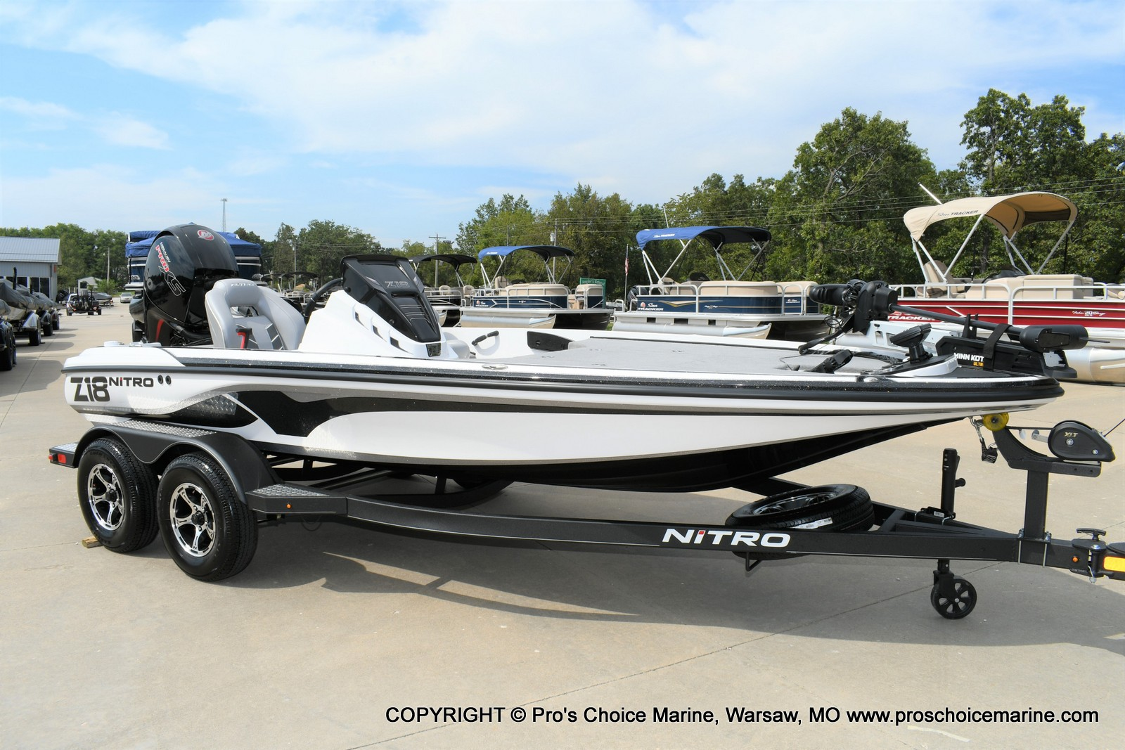 2021 Nitro boat for sale, model of the boat is Z18 Pro Package w/150HP Pro-XS & Image # 2 of 50