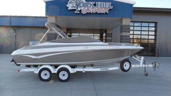 2002 Crownline boat for sale, model of the boat is 202 & Image # 1 of 20