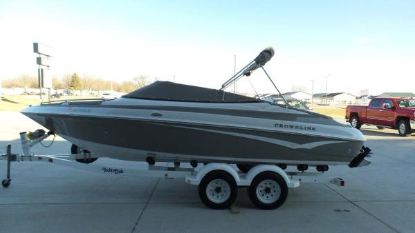2002 Crownline boat for sale, model of the boat is 202 & Image # 3 of 20