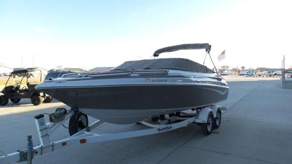 2002 Crownline boat for sale, model of the boat is 202 & Image # 5 of 20