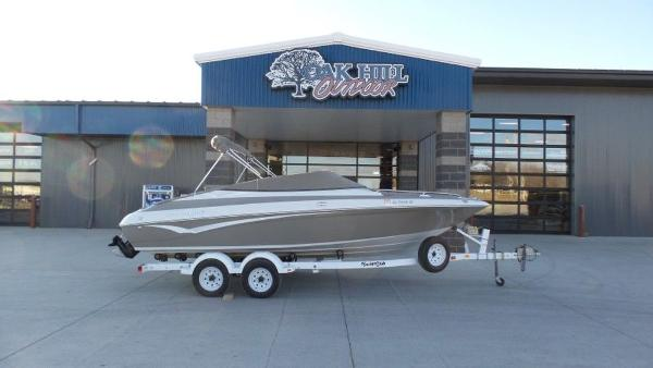 2002 Crownline boat for sale, model of the boat is 202 & Image # 9 of 20