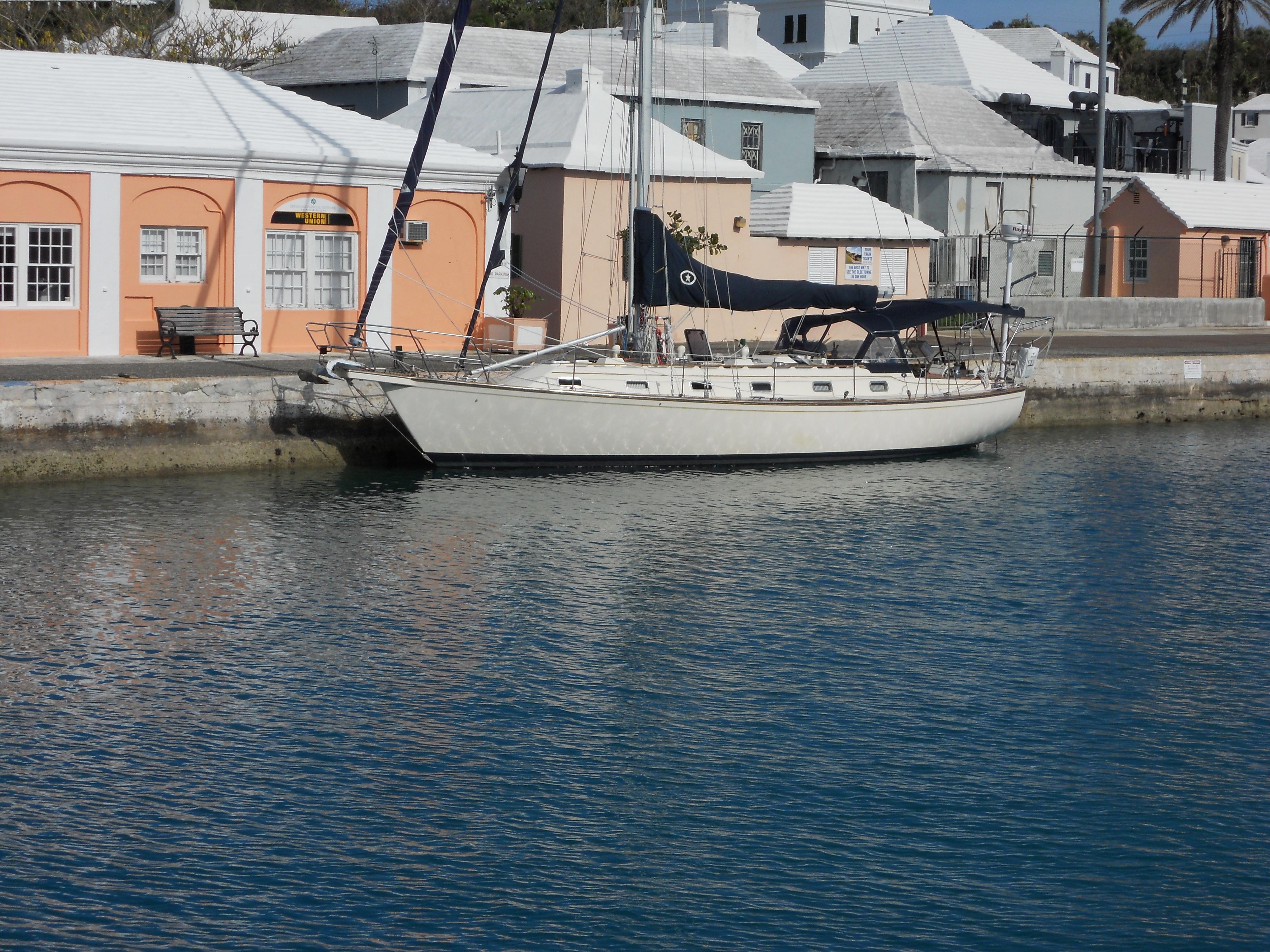 Island Packet 44 In Bermuda