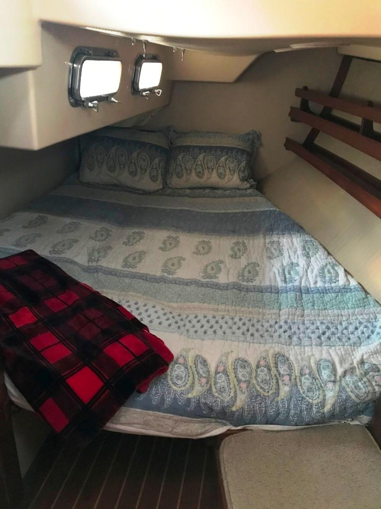 Large double berth in aft stateroom
