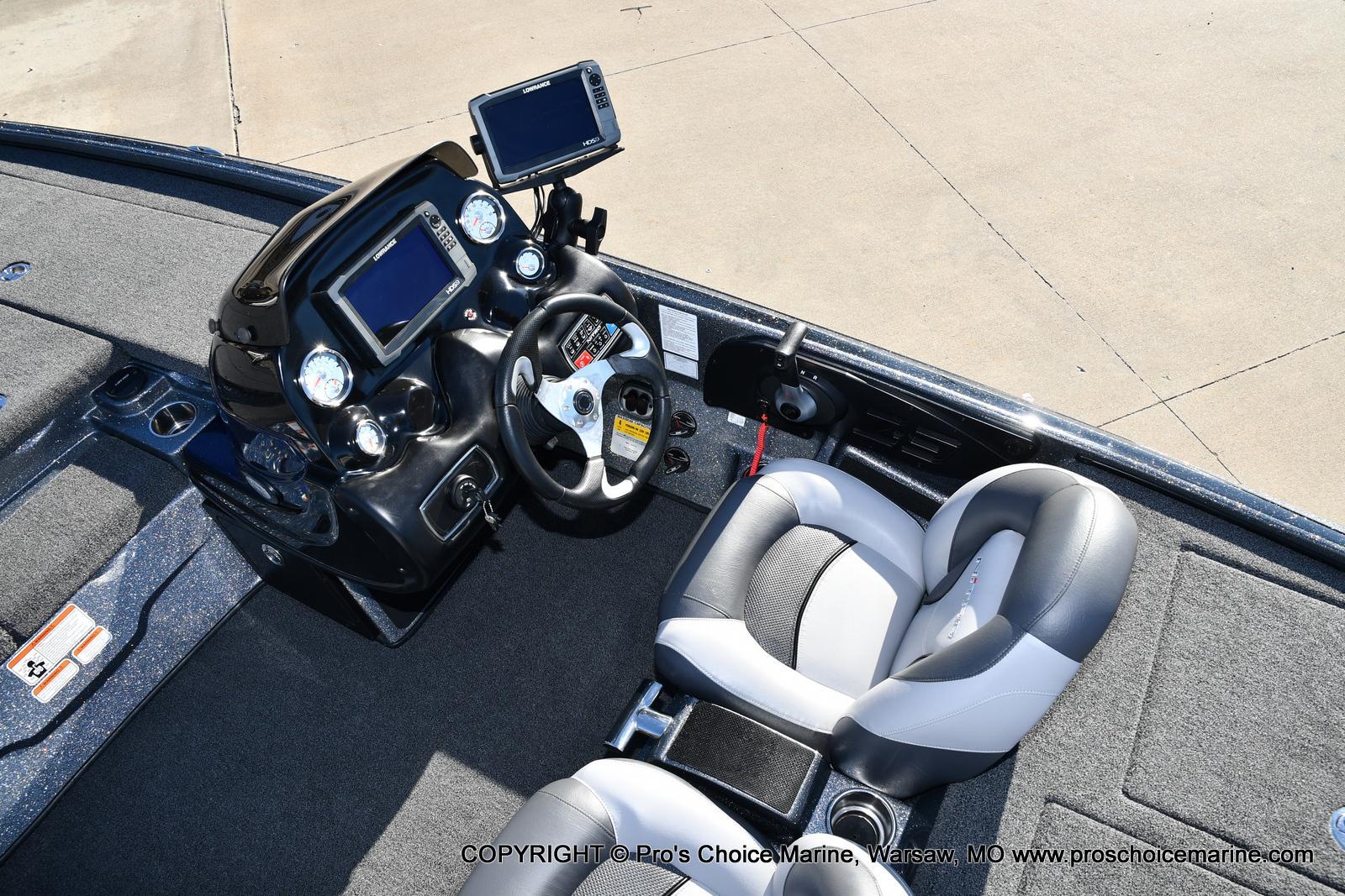 2015 Nitro boat for sale, model of the boat is Z-9 w/250HP Mercury Pro-XS & Image # 12 of 50