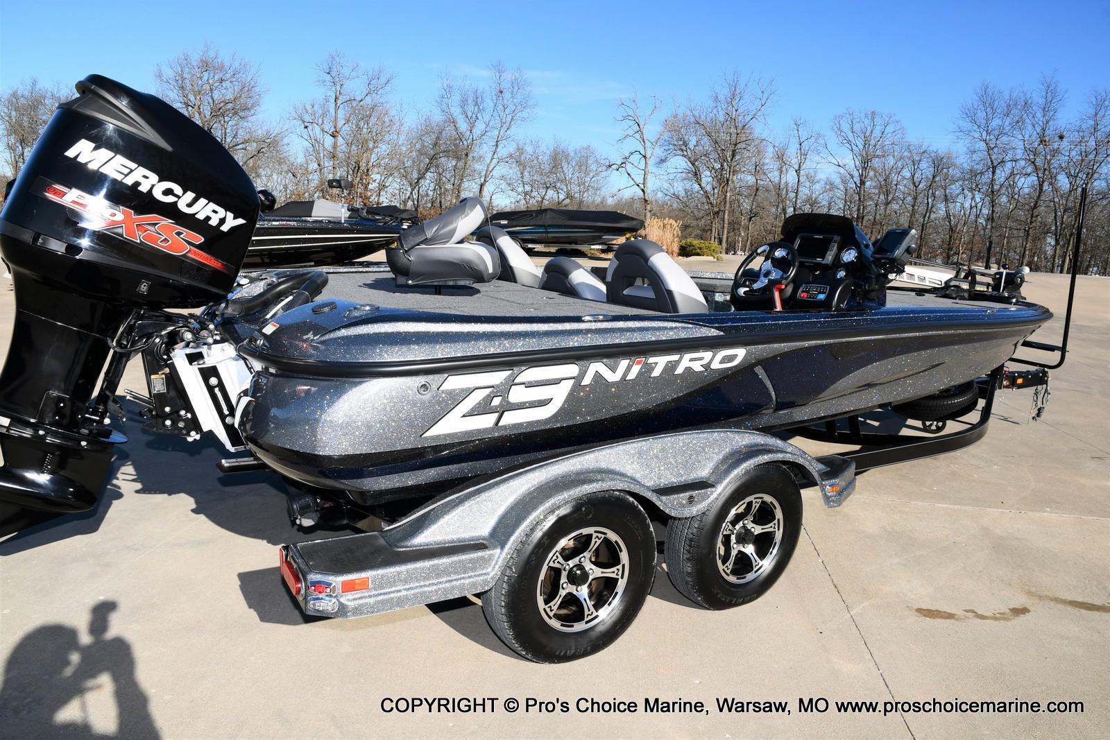 2015 Nitro boat for sale, model of the boat is Z-9 w/250HP Mercury Pro-XS & Image # 3 of 50