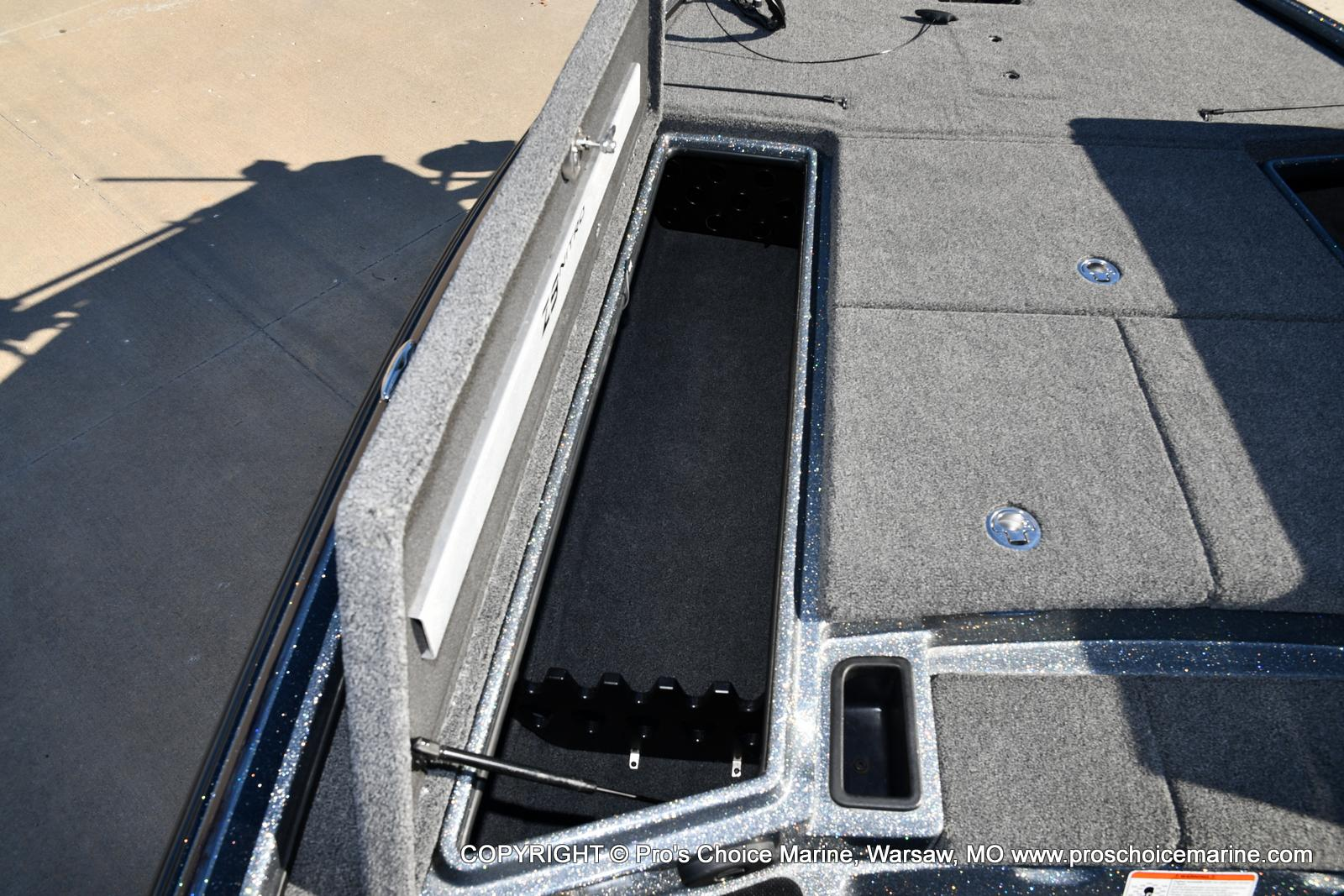 2015 Nitro boat for sale, model of the boat is Z-9 w/250HP Mercury Pro-XS & Image # 19 of 50