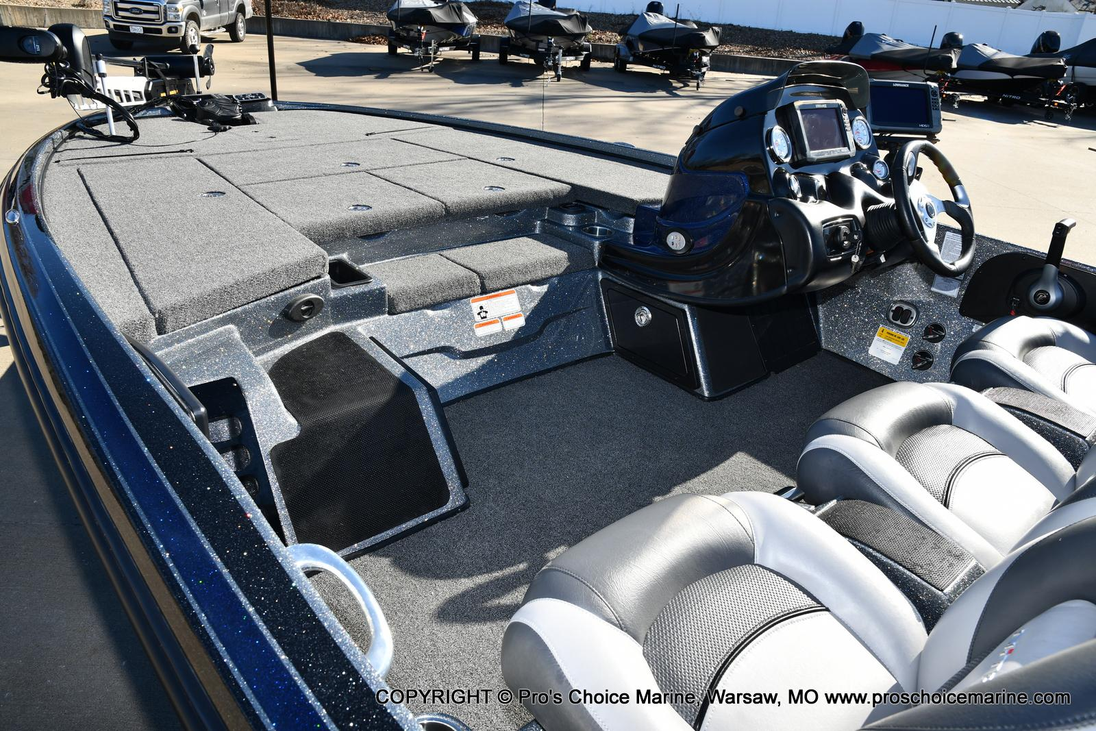 2015 Nitro boat for sale, model of the boat is Z-9 w/250HP Mercury Pro-XS & Image # 31 of 50