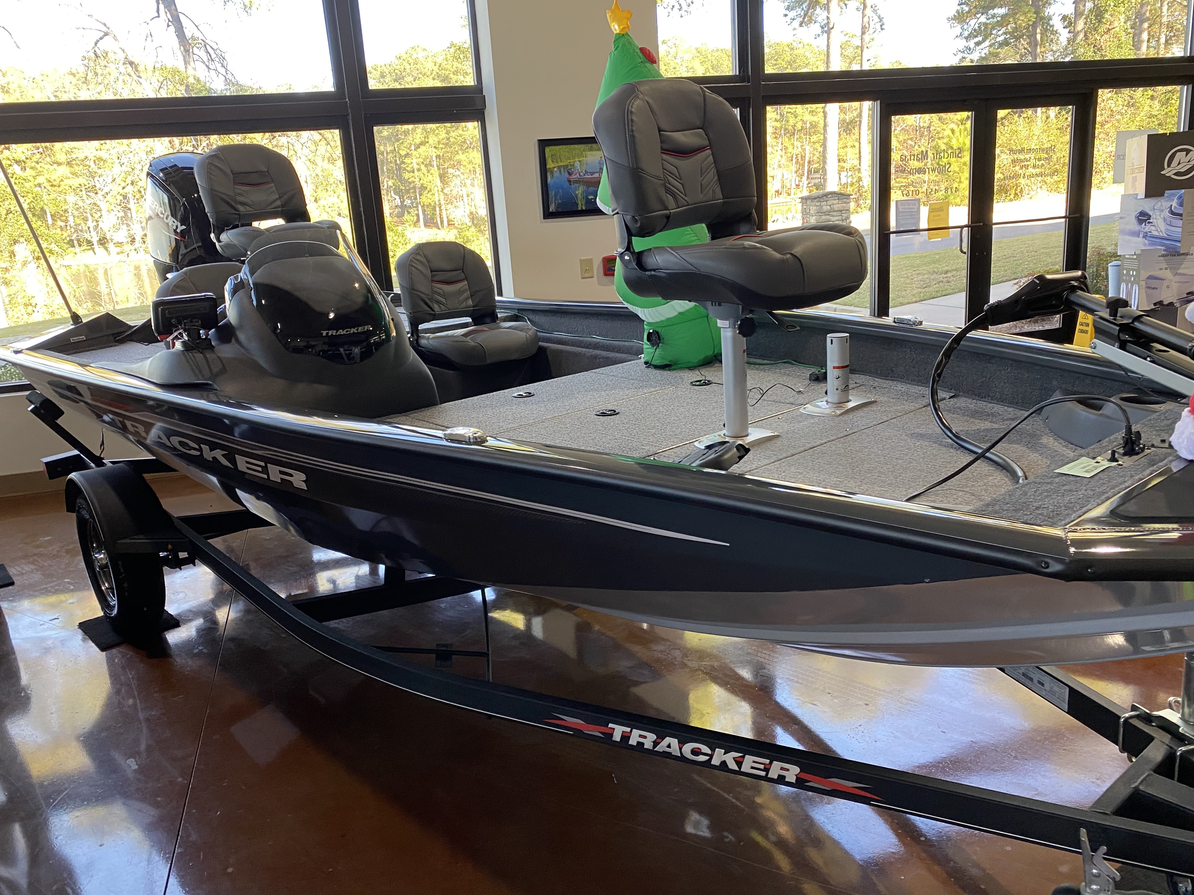 2021 Tracker Boats boat for sale, model of the boat is Pro Team 175 TF & Image # 2 of 2