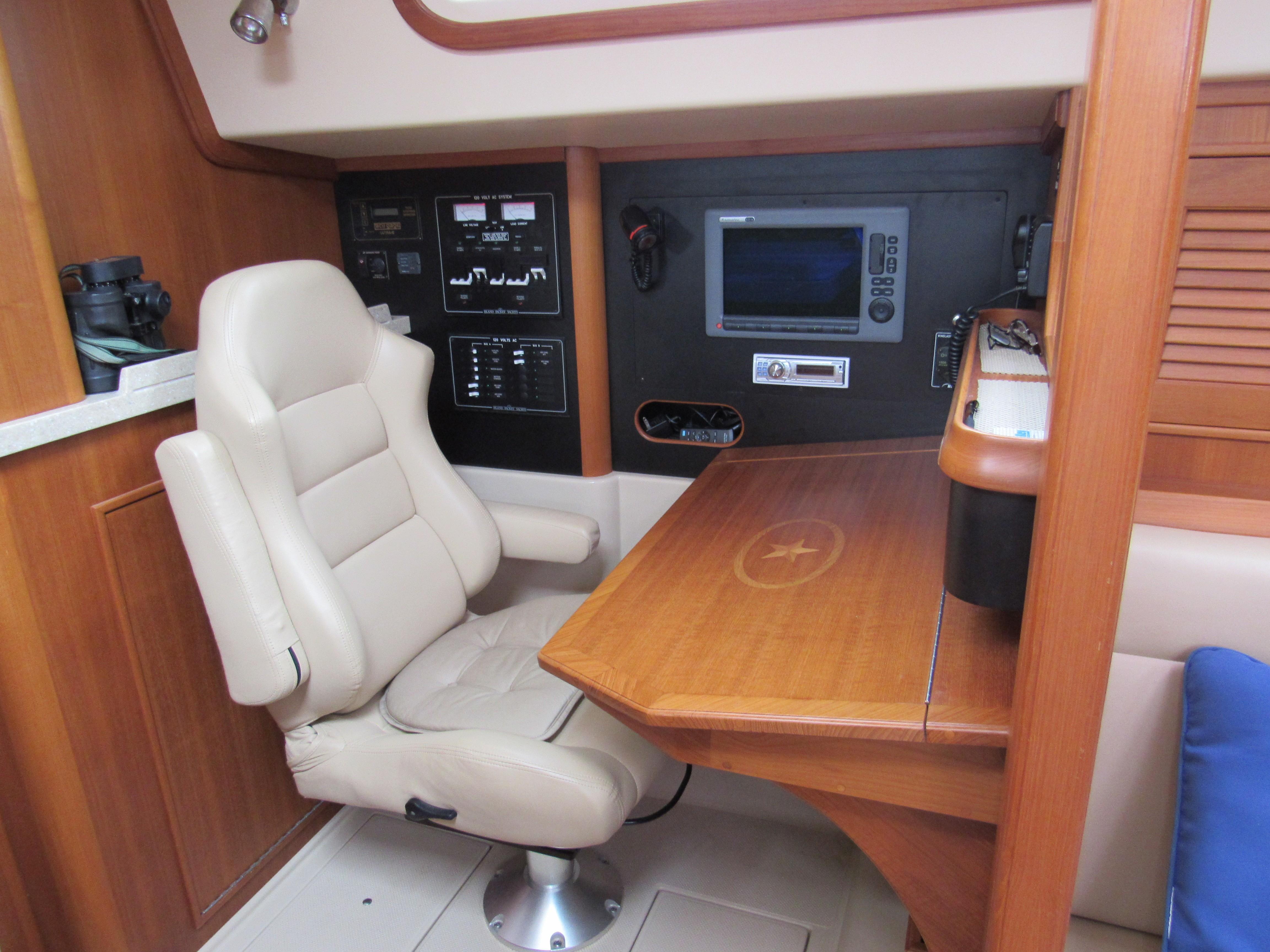 Comfortable nav seat