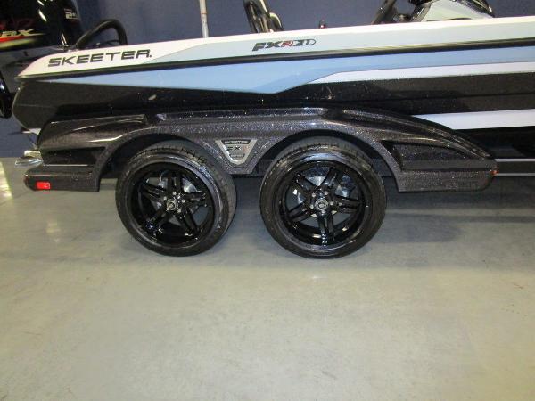 2021 Skeeter boat for sale, model of the boat is FXR21 Limited & Image # 5 of 45