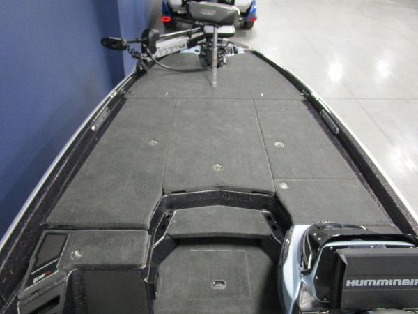 2021 Skeeter boat for sale, model of the boat is FXR21 Limited & Image # 42 of 45