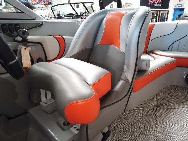 2021 Sanger boat for sale, model of the boat is V215 SX & Image # 18 of 20