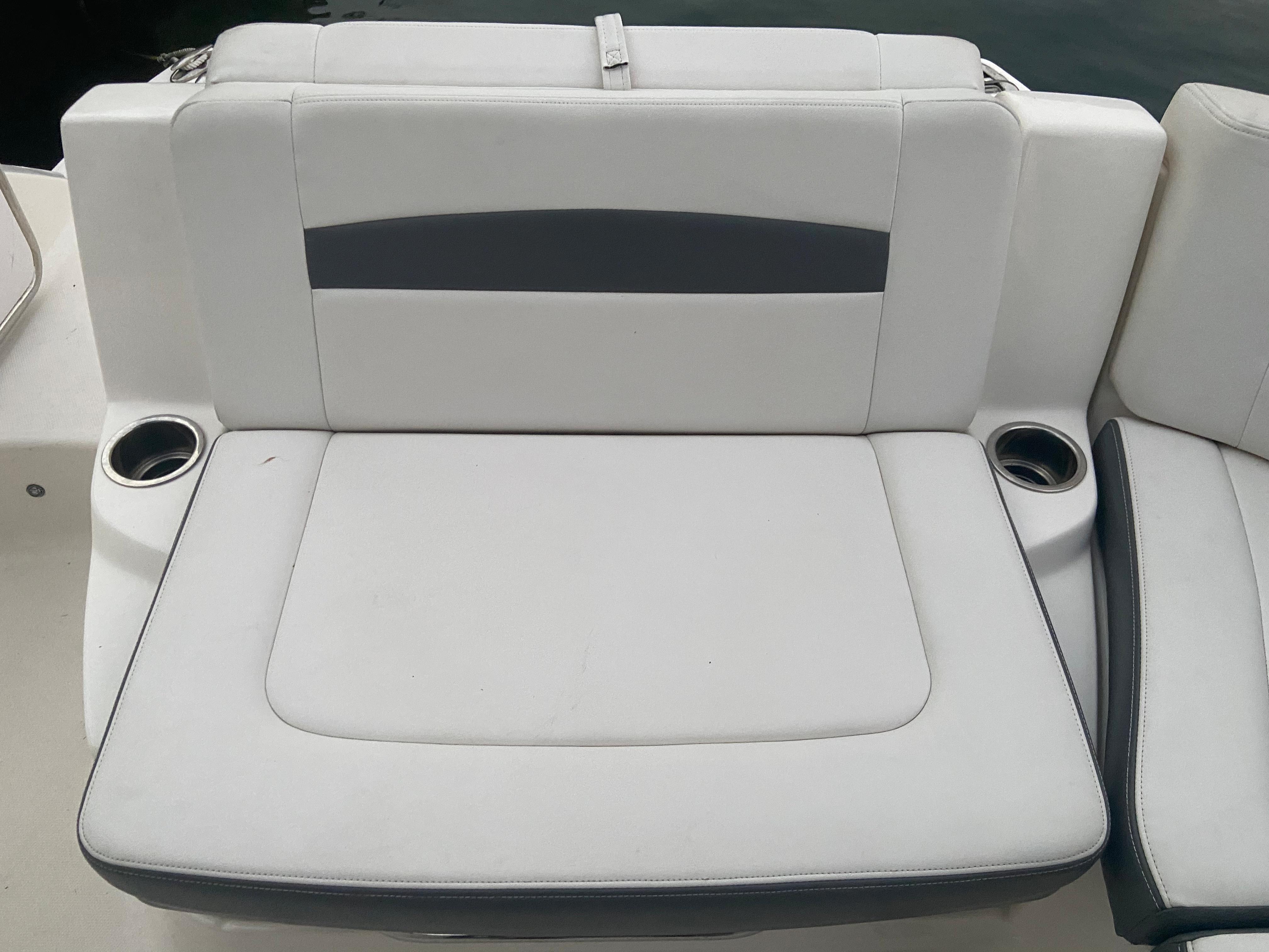 NY 5851 LK Knot 10 Yacht Sales