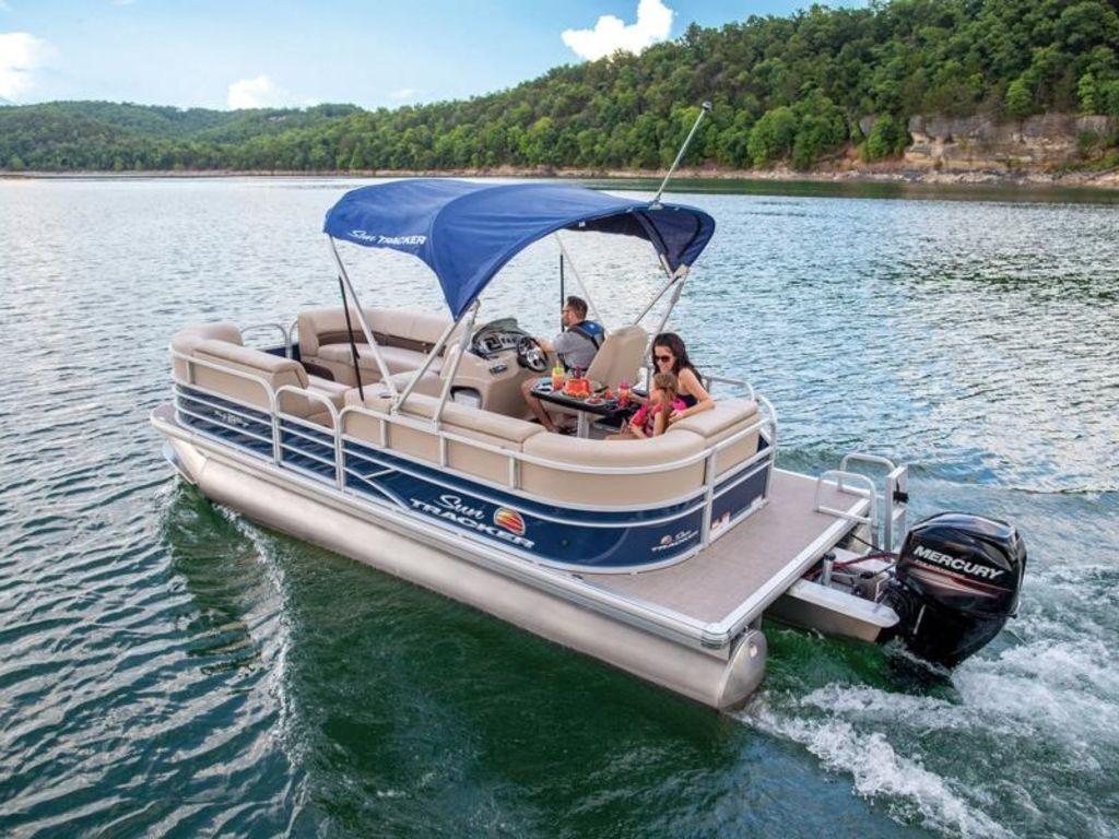 Sun Tracker Fishin' Barge® 20 Dlx
