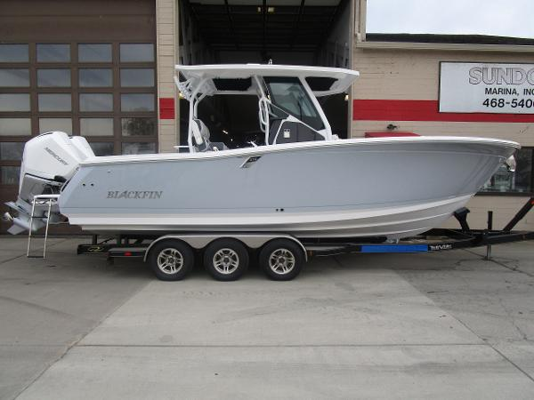 2021 Blackfin boat for sale, model of the boat is 272CC & Image # 1 of 47