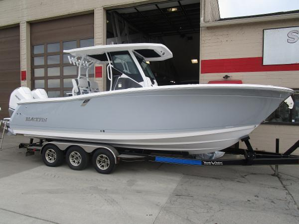 2021 Blackfin boat for sale, model of the boat is 272CC & Image # 2 of 47