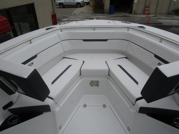 2021 Blackfin boat for sale, model of the boat is 272CC & Image # 29 of 47