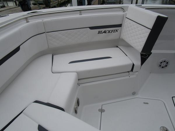 2021 Blackfin boat for sale, model of the boat is 272CC & Image # 30 of 47