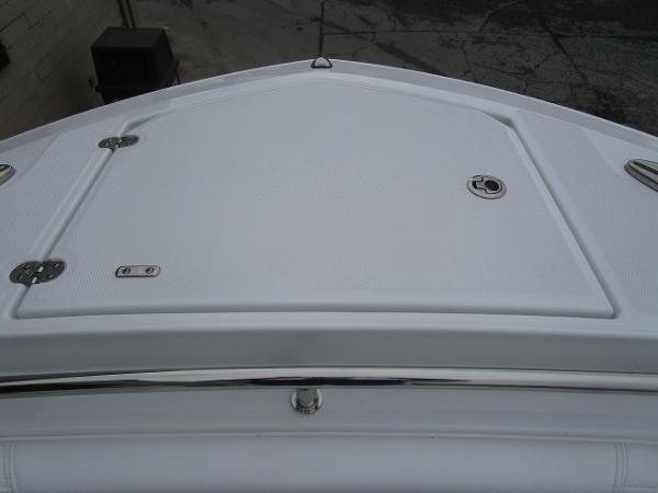 2021 Blackfin boat for sale, model of the boat is 272CC & Image # 34 of 47