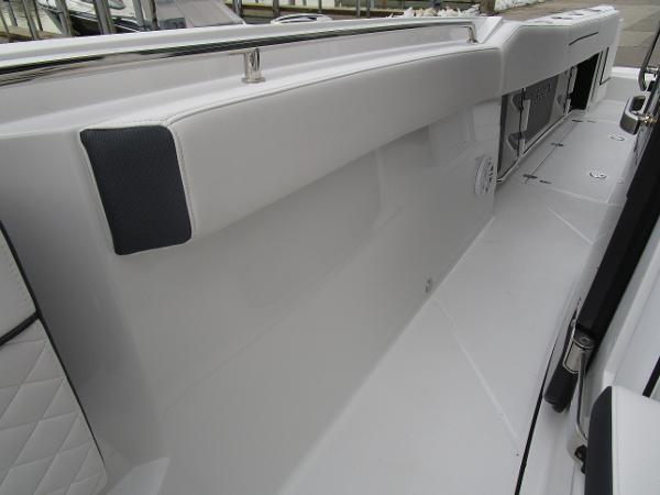 2021 Blackfin boat for sale, model of the boat is 272CC & Image # 36 of 47