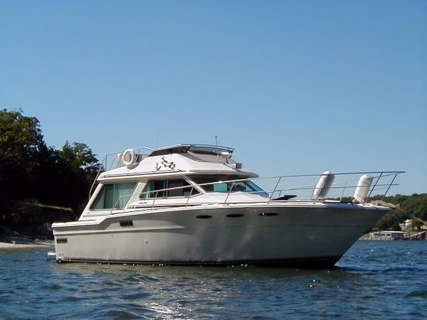1982 Sea Ray 355T Trawler