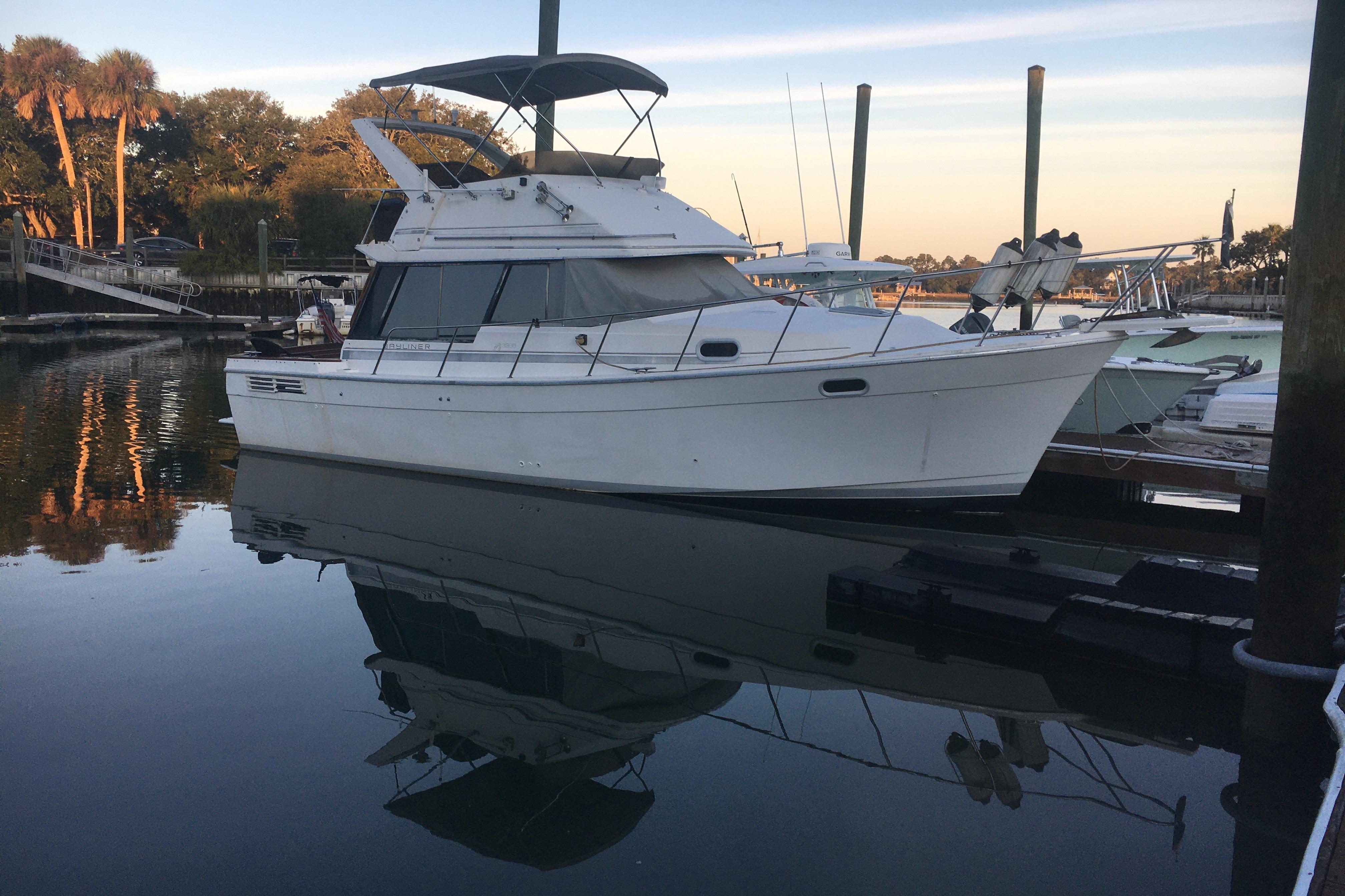 Bayliner 3288 Motoryacht - Photo: #2