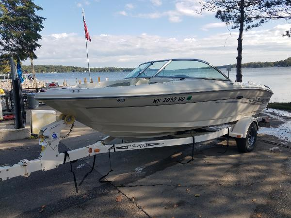2004 Sea Ray 185 Sport thumbnail