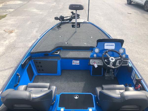 2021 Nitro boat for sale, model of the boat is Z19 & Image # 9 of 33