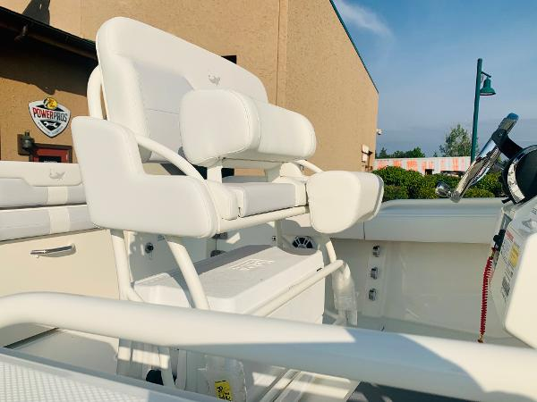 2021 Mako boat for sale, model of the boat is 236 CC & Image # 7 of 123
