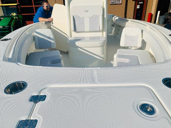 2021 Mako boat for sale, model of the boat is 236 CC & Image # 3 of 123