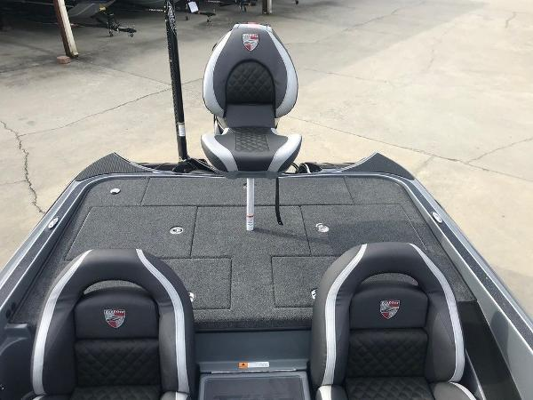 2021 Triton boat for sale, model of the boat is 20 TRX Patriot & Image # 2 of 12
