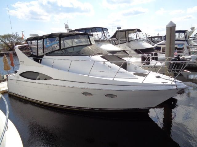 Carver Three Fifty Mariner - Bow To Starboard