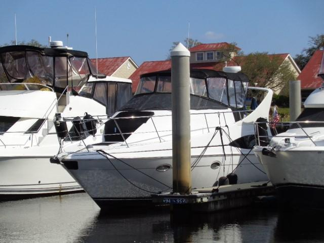Carver Three Fifty Mariner - Bow To Port 2