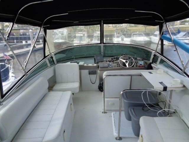 Carver Three Fifty Mariner - Upper Deck Seating 2