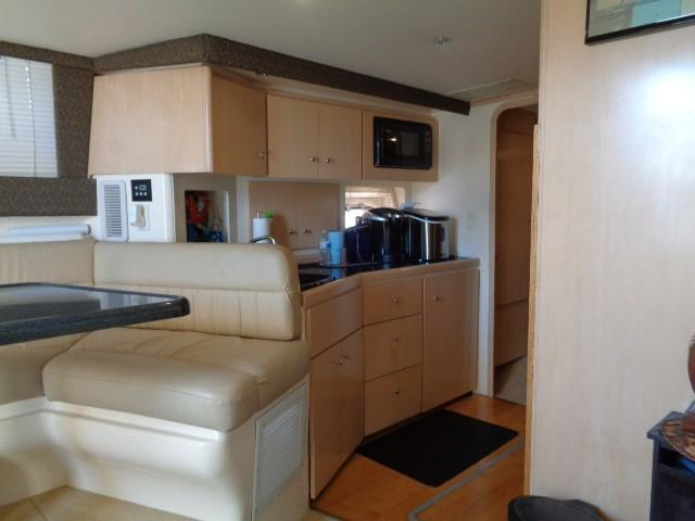 Carver Three Fifty Mariner - Galley