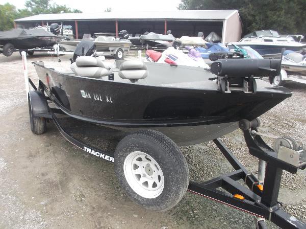 2010 Alumacraft boat for sale, model of the boat is 165 Classic camp & Image # 2 of 14