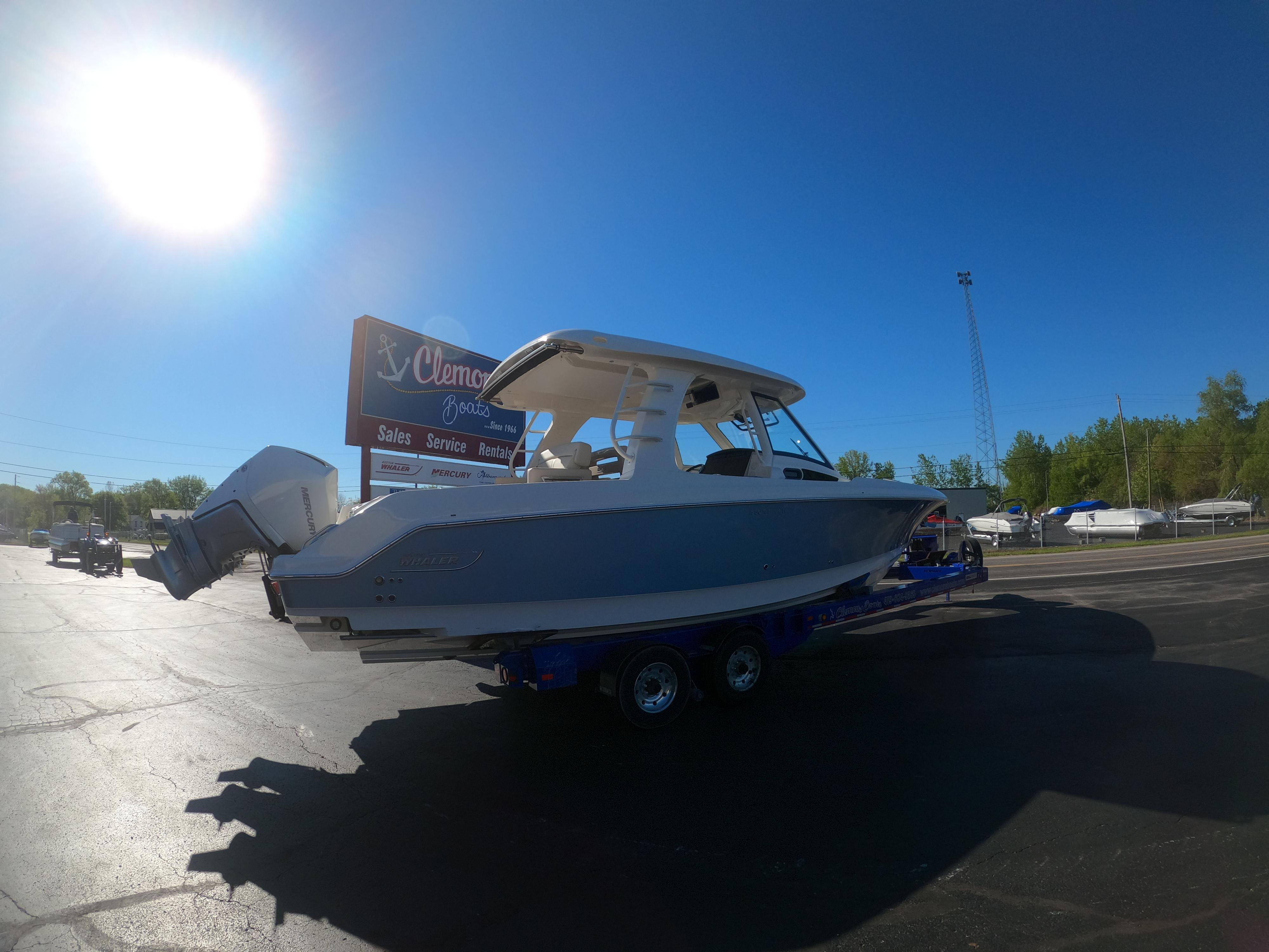 Image of 2021 Boston Whaler 350 Realm