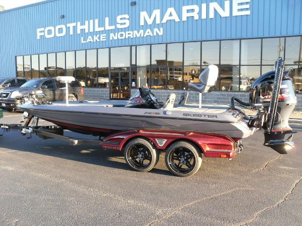 2021 Skeeter boat for sale, model of the boat is FXR20 Limited & Image # 1 of 37