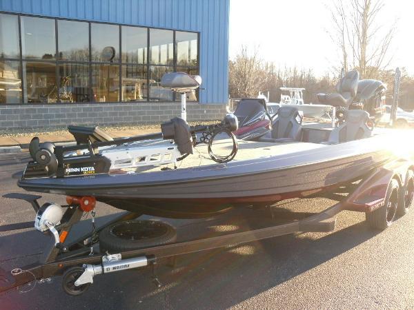 2021 Skeeter boat for sale, model of the boat is FXR20 Limited & Image # 2 of 37